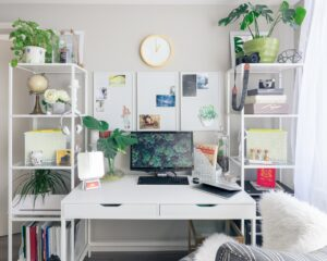 digs desk decor