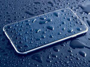 retrieve a drowning smartphone